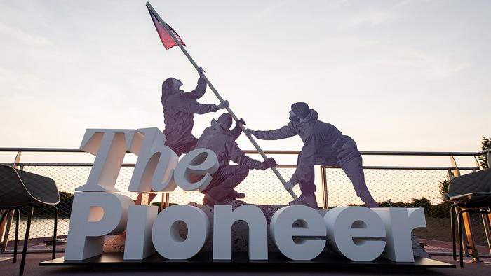 ThePioneer_Expedition_Sunset